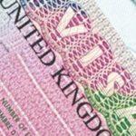 Công dân Việt Nam đến Anh phải trả phụ phí y tế