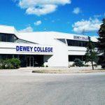 Du học Canada – Trường trung học Dewey College