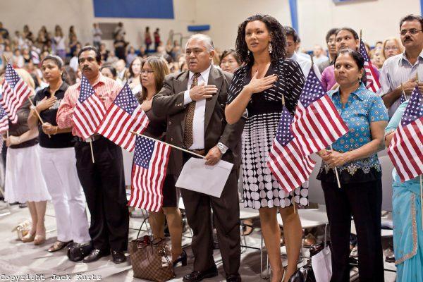 Image result for Bài thi nhập quốc tịch Mỹ khiến du khách thích thú