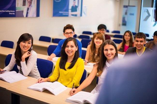 Khi bạn có mơ ước chạm tay vào các suất học bổng toàn phần du học Singapore, hãy phấn đấu học tập thật tốt để đạt được điểm GPA (điểm trung bình môn học) tối thiểu là 7.5 nhé!